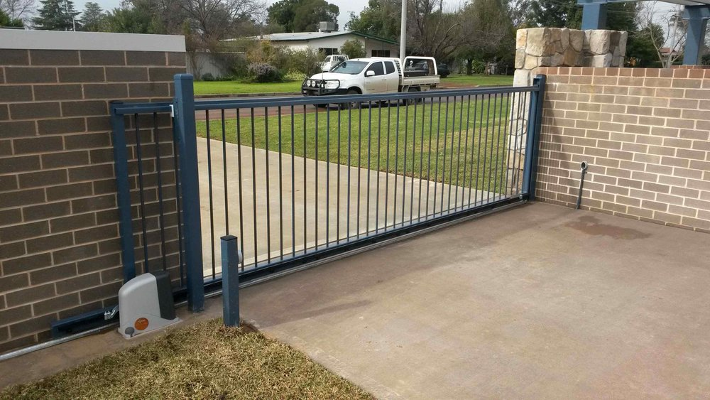 Automated Flat Top Sliding Gate.jpg