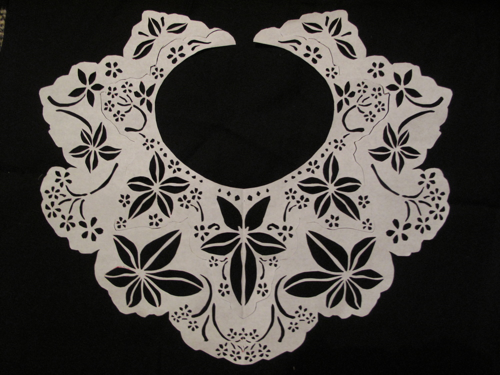 lace-collar-pattern-flowers