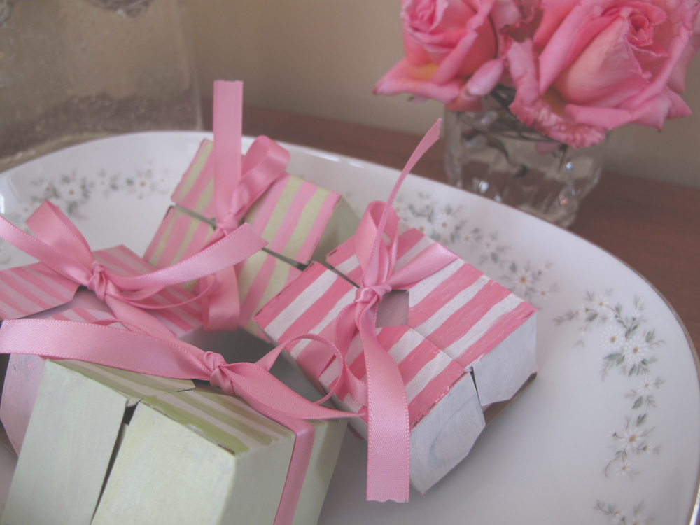Marie Antoinette party gifts