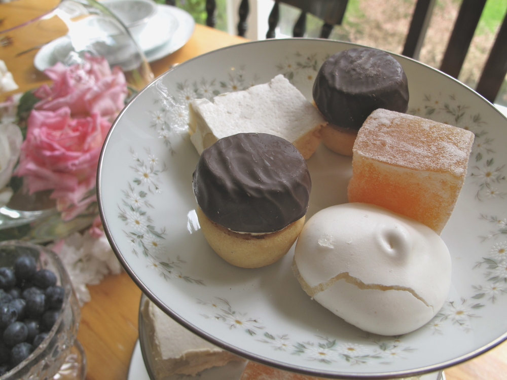 Marie Antoinette party desserts