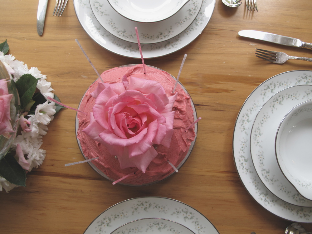 Marie Antoinette party cake with rose