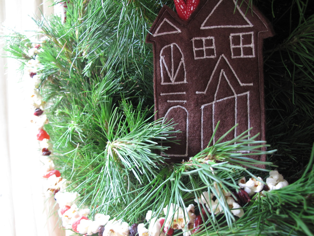 Christmas tree gingerbread felt houses