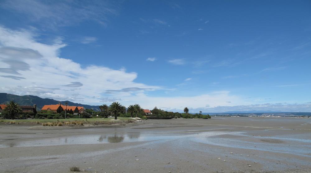 bike ride around Mapua estuary in NZ