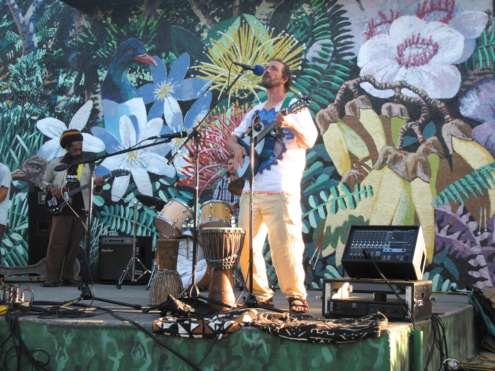 Reggae music in Pohara Village square NZ