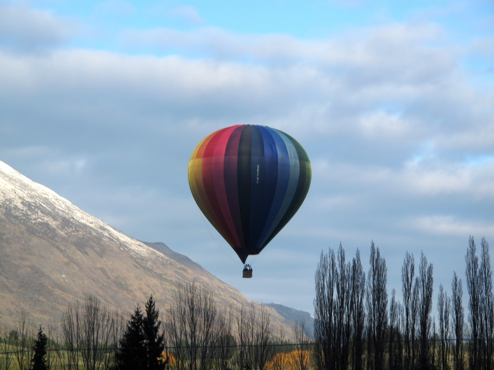 Rainbow hot air balloon, Queenstown NZ