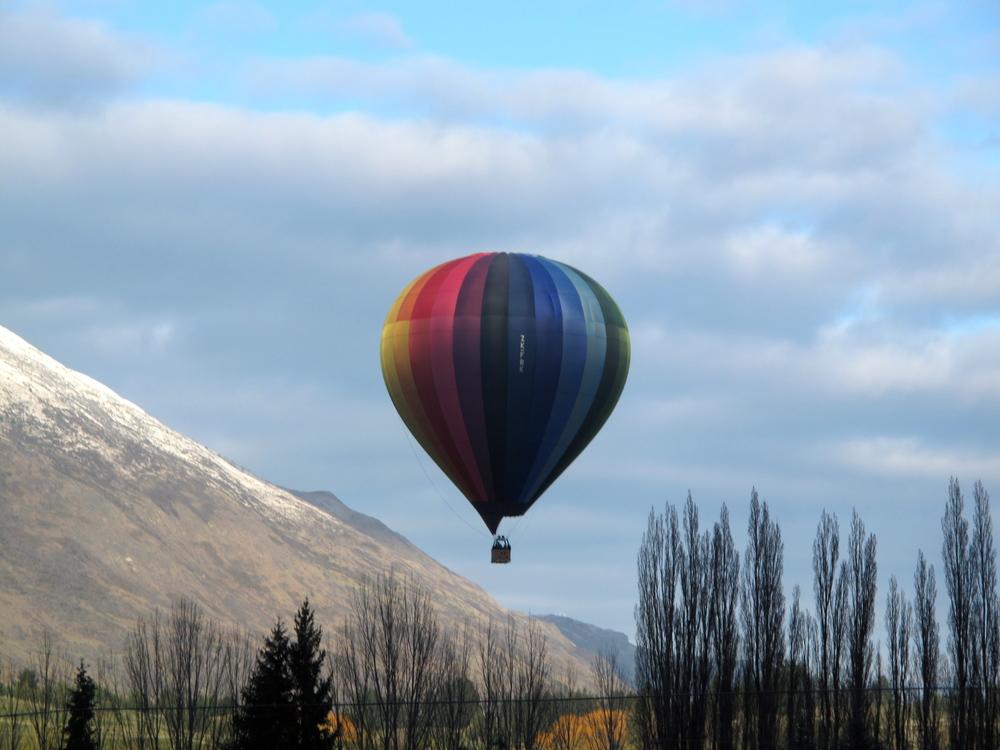 Rainbow hot air balloon, Queenstown NZ