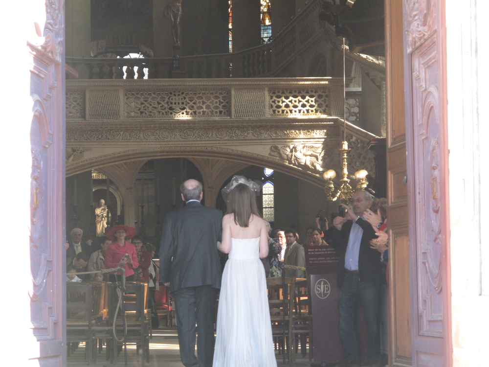 Entering some random persons wedding near the Pantheon