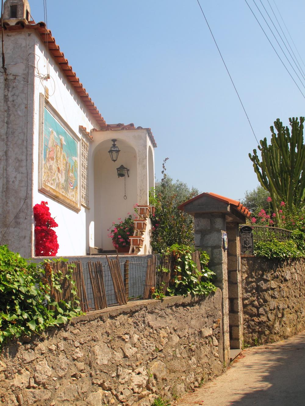 Cute little white houses on Anacapri