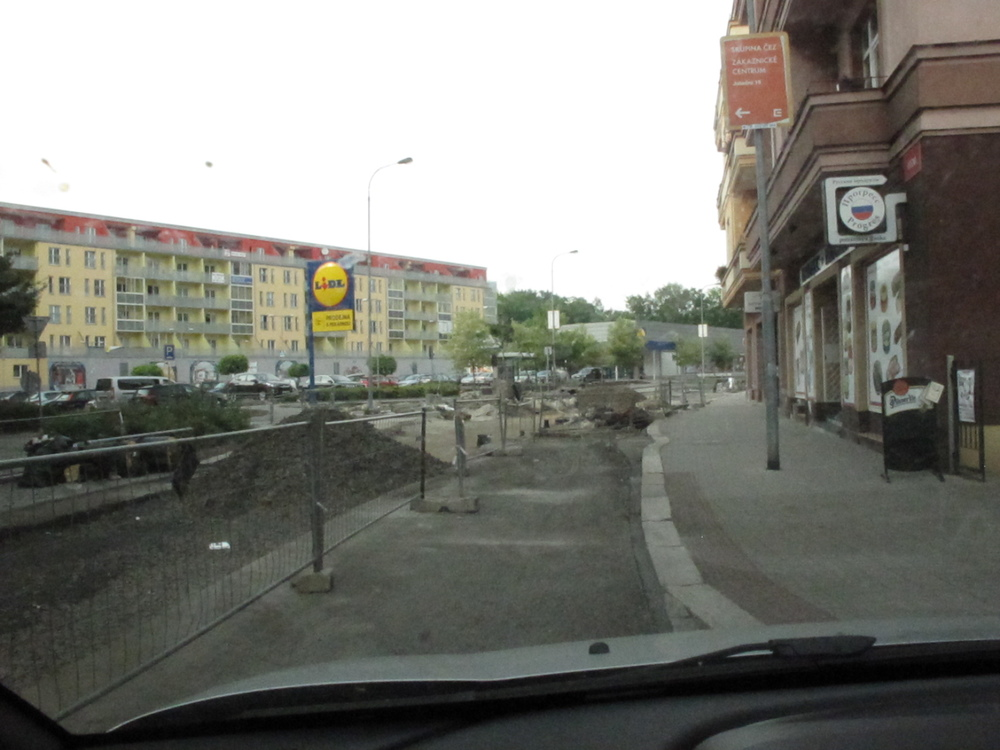 Crazy Czech roads - construction without signs or warnings!