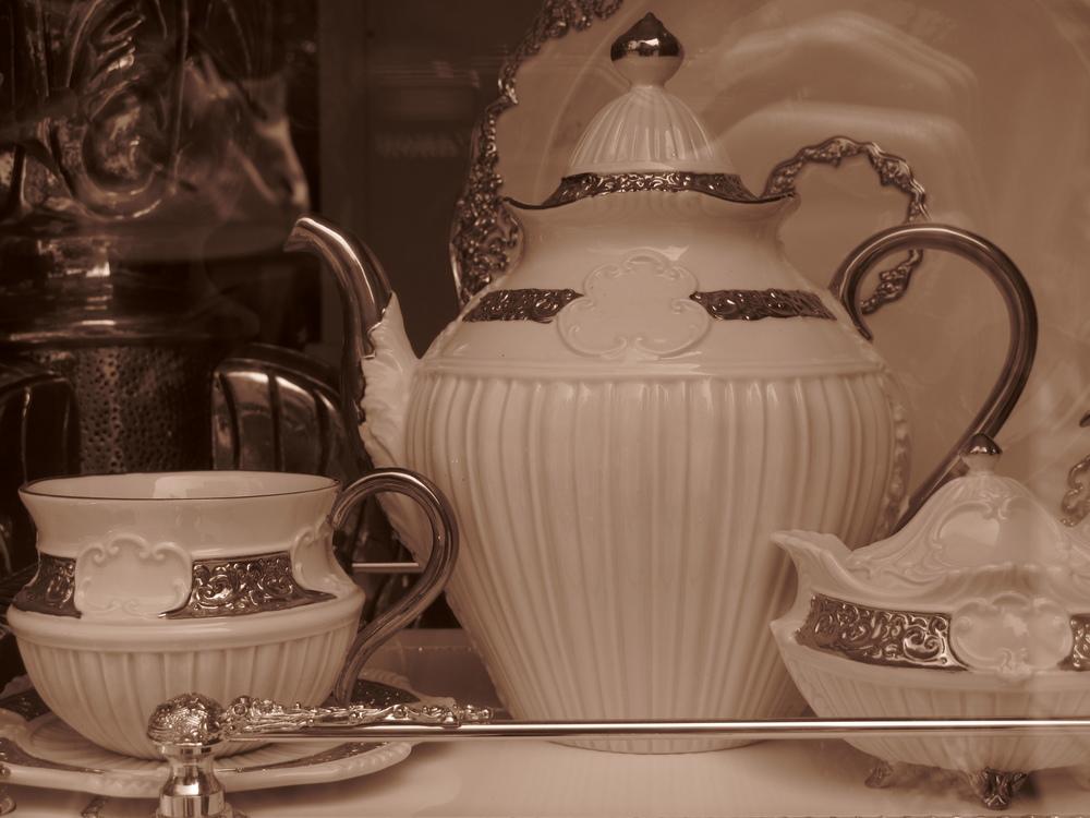 Karlovy Vary porcelain shops selling fine porcelain