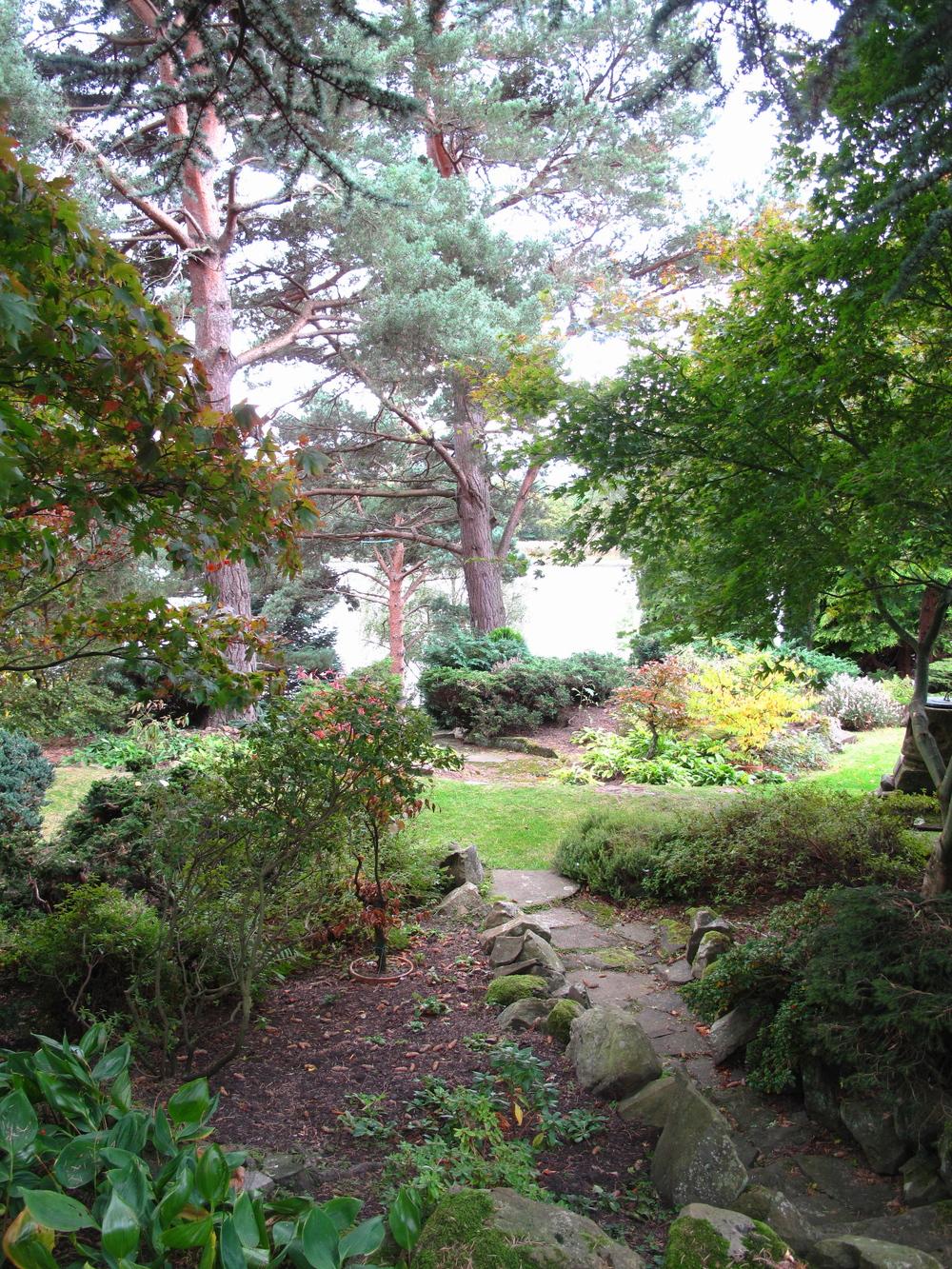 Dr. Neil's Garden - pathways in a secret garden, Edinburgh.