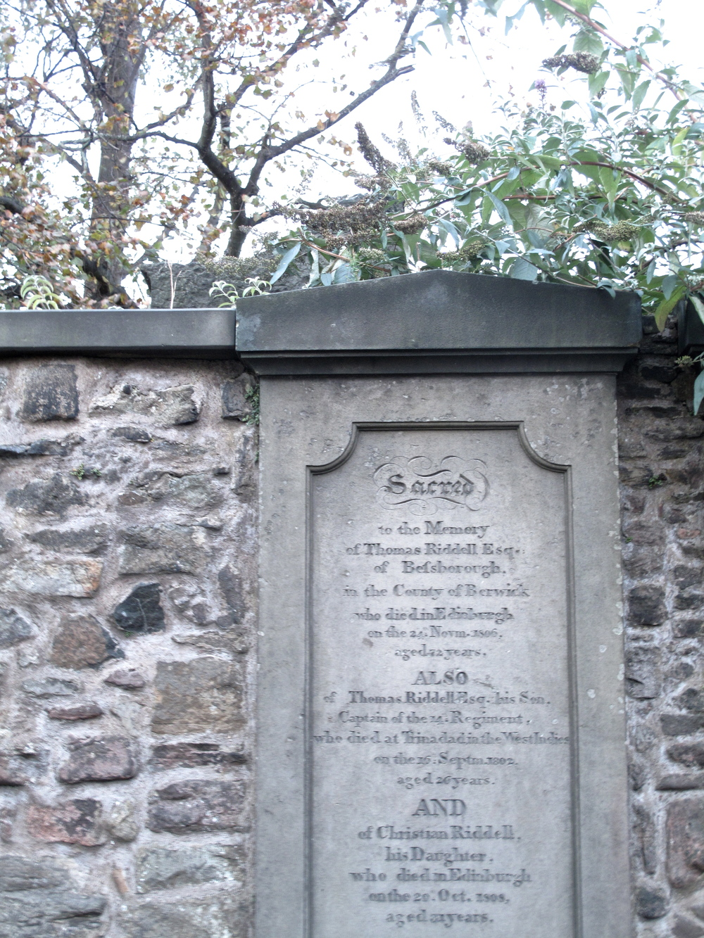 The real life grave of Tom Riddell at Greyfriars.