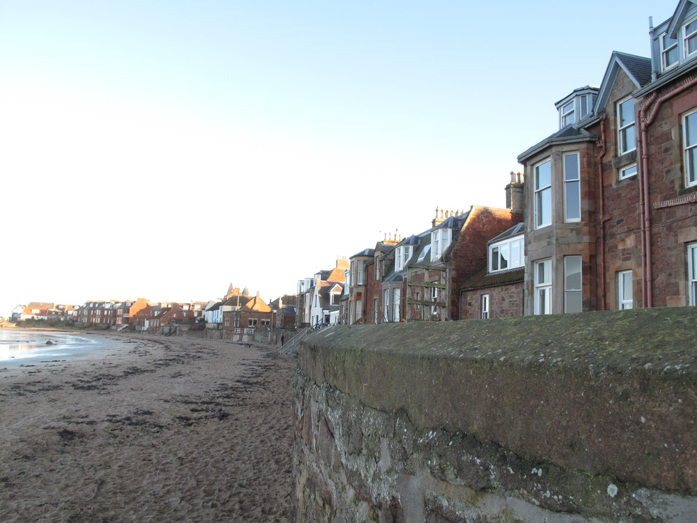 North Berwick houses along the shore.