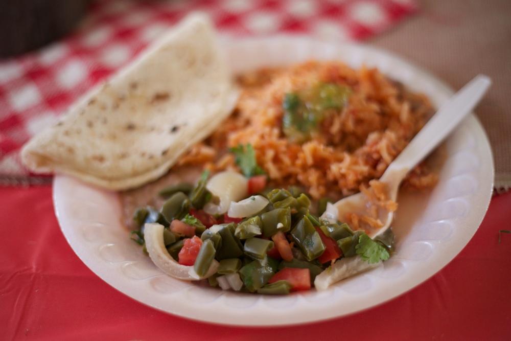 Tacos, arroz y nopales! Cactus salad.