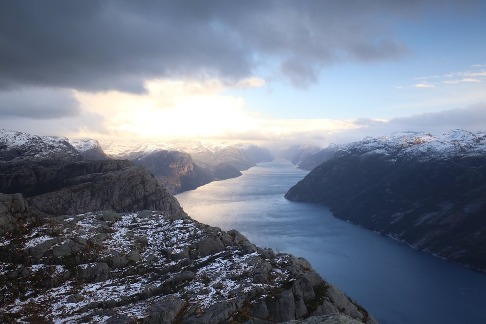 preikestolen fjord winter