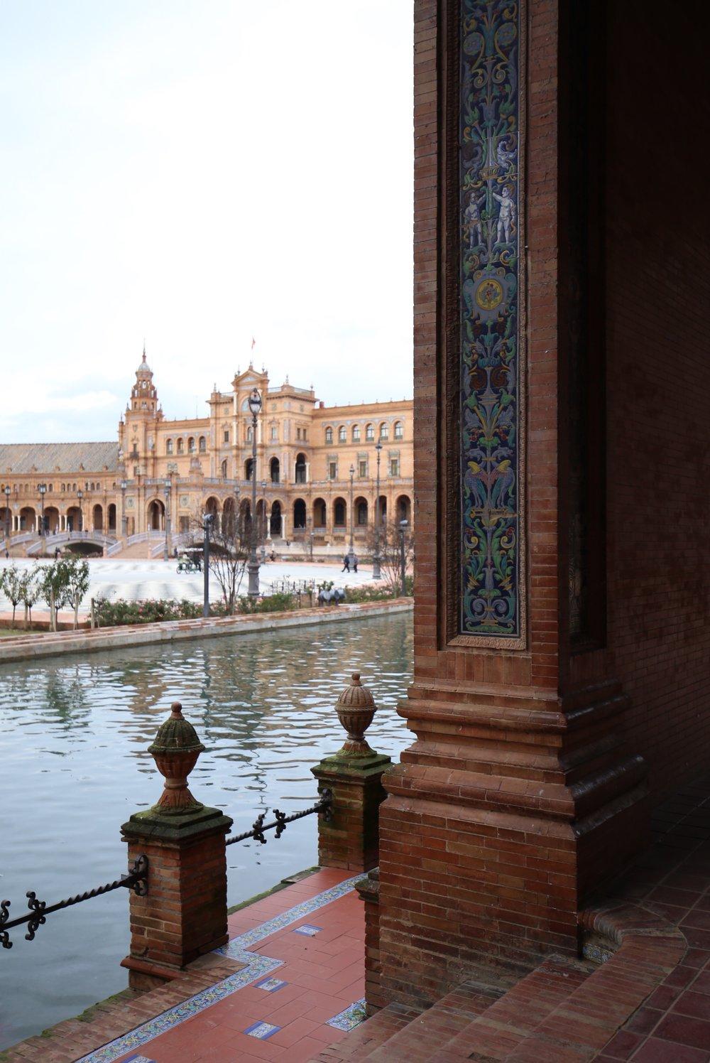 hidden plaza de España sevilla