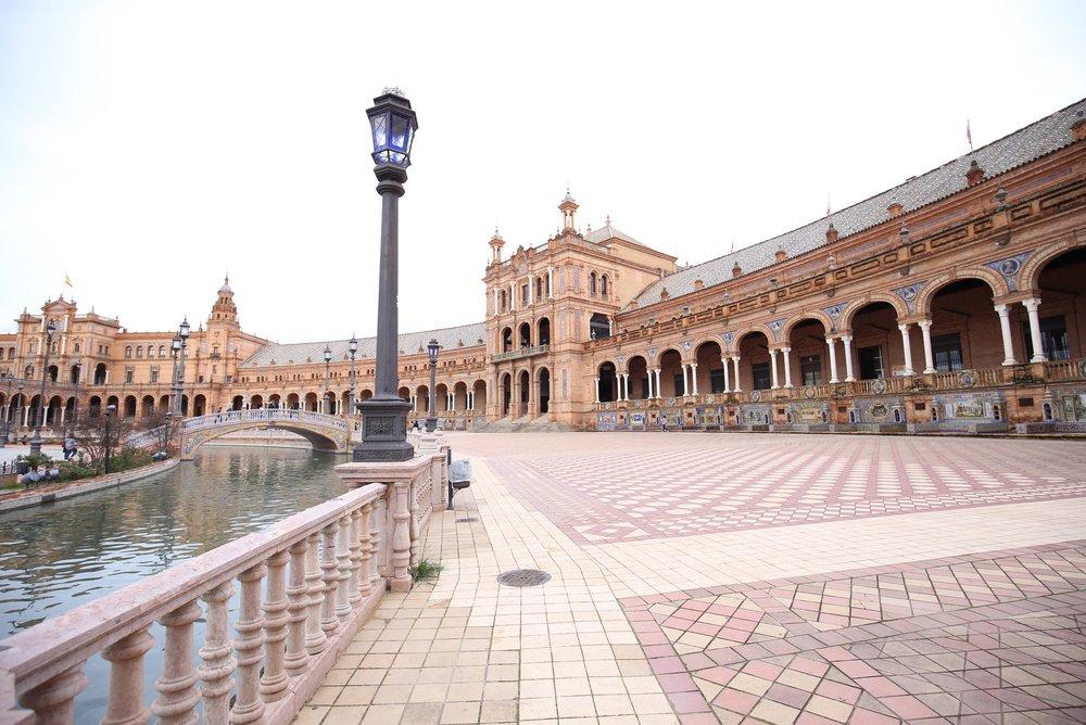 plaza de espana in December winter