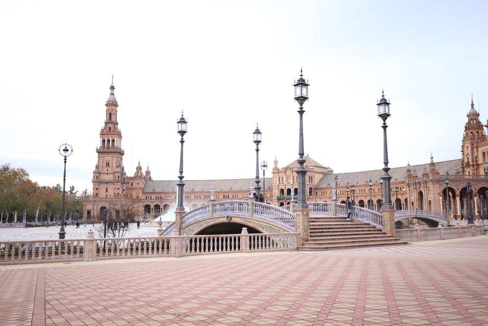 pink plaza de España