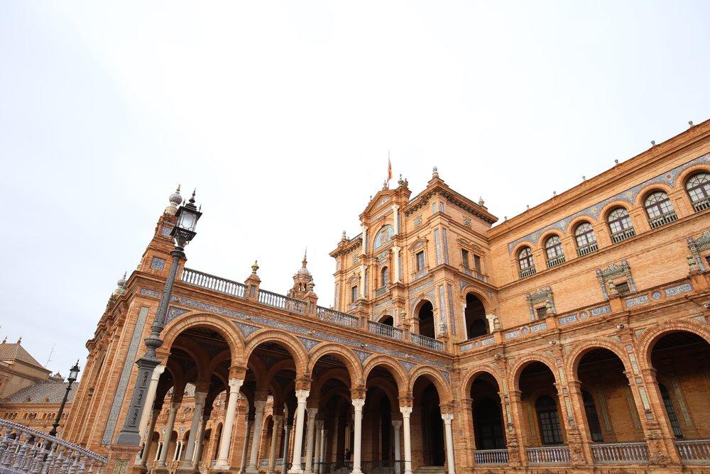 plaza de espana government building