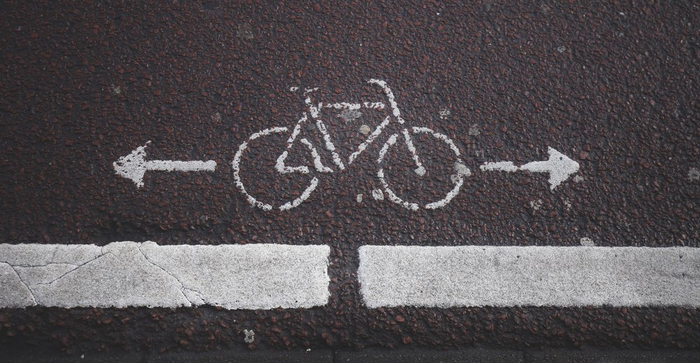 Symbol for a bike path.