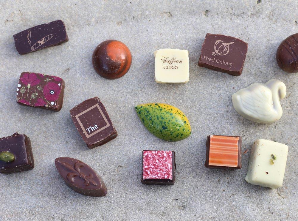 Best chocolates in Bruges - Line chocolates.