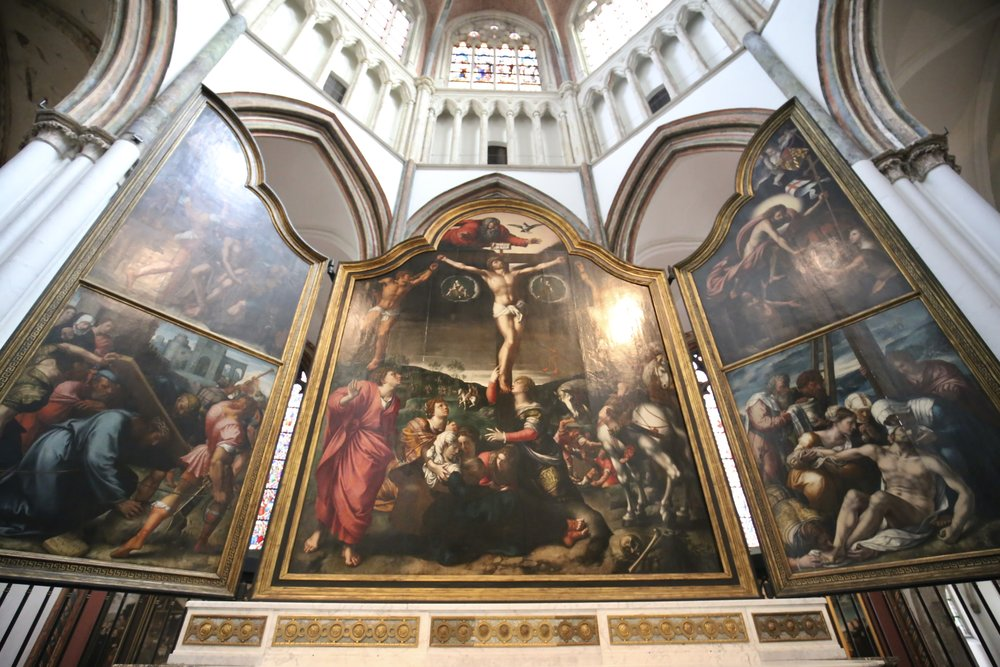 A painting of the crucifixion in Bruges Church of our Lady.