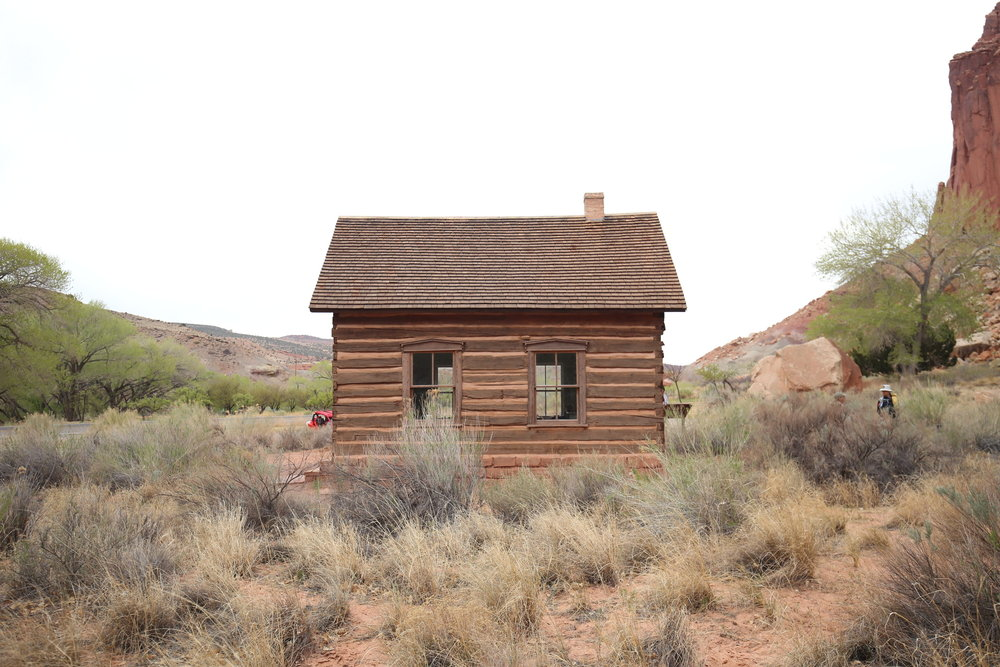capitol-reef-schoolhouse