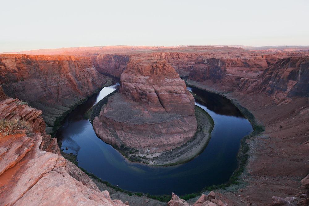 horseshoe-bend-sunrise