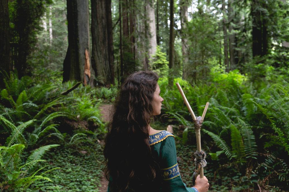 elven-queen-in-old-forest