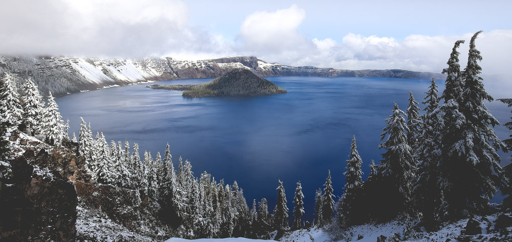 crater-lake-park-snow-in-summer