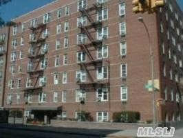 143-55 41 Ave, Flushing #1B - $2,000