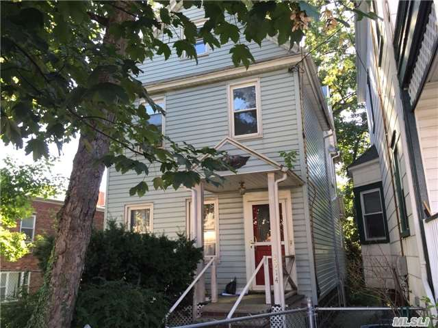 39-14 Murray St, Flushing, NY 11354 - $980,000