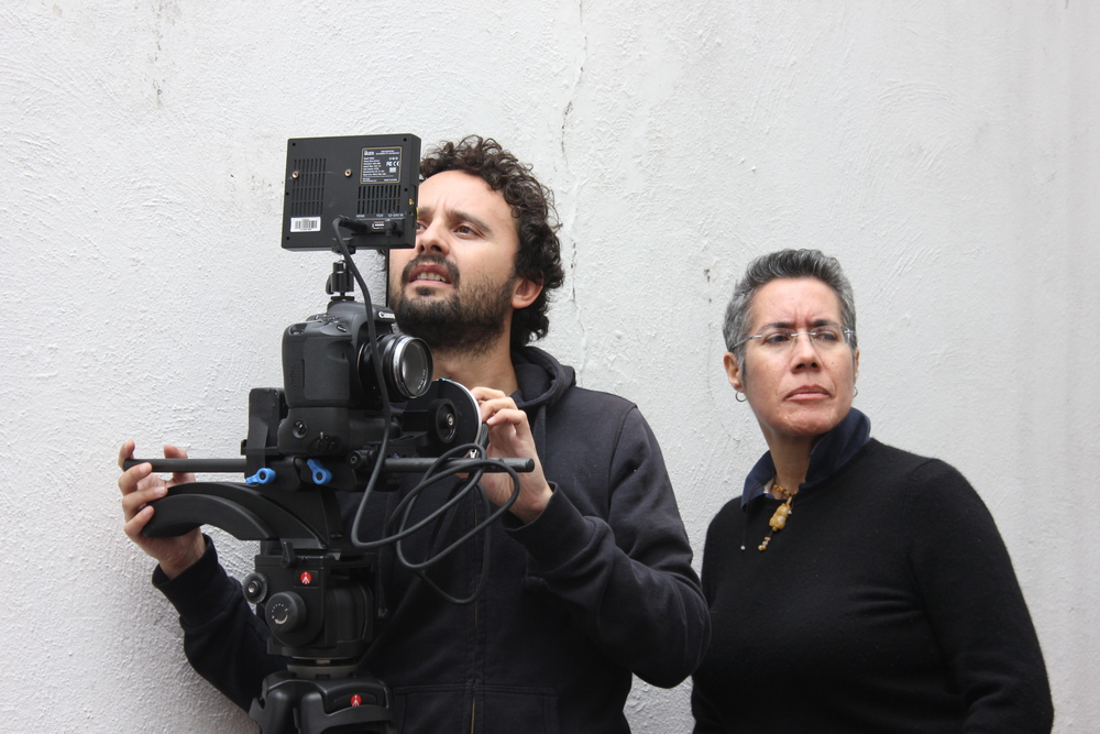 Cristina with DP Santiago Sánchez on set of  Hermanas  in Mexico City.
