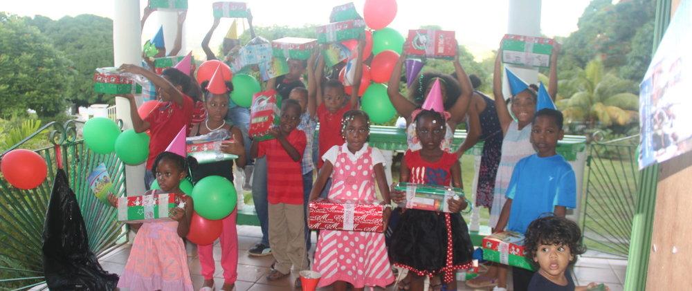 Les enfants de notre club ont reçu des cadeaux grace aux dons de Operation Christmas Child