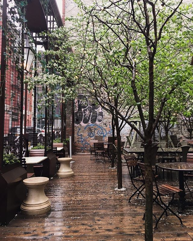 Exploring the city on this beautiful rainy day! #nomo #nomosoho #nyc #newyork #minivacation #worktrip