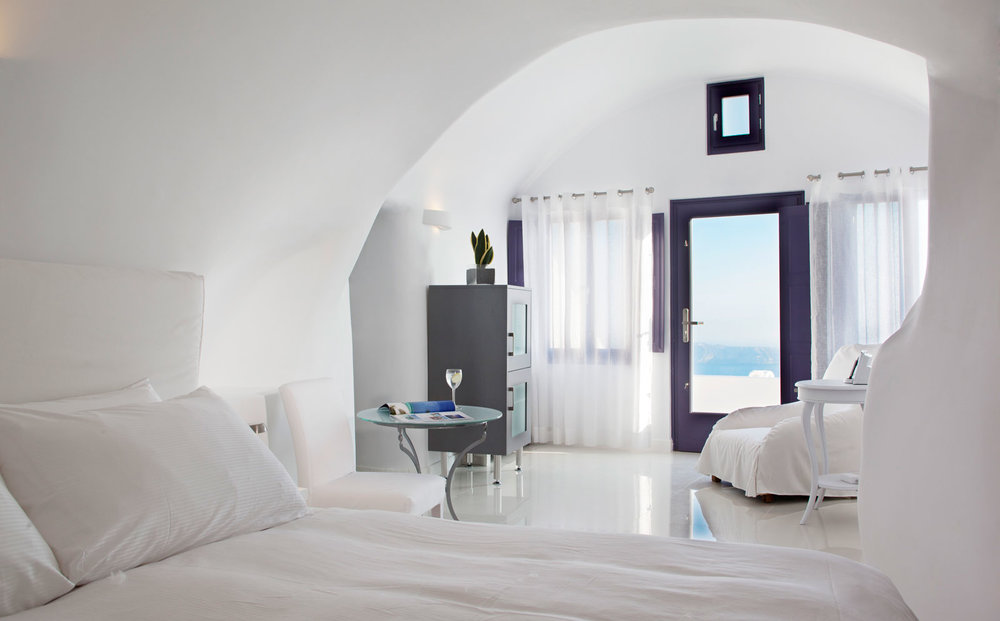 Chromate Santorini, Where to Stay in Greece.