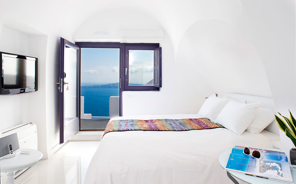 Where to stay in Santorini, Chromata 5* Hotel