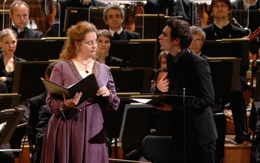 Arnaud Denis dans Peer Gynt de Grieg avec l'Orchestre de Paris à la Salle Pleyel en 2012. Cliquez sur la photo pour regarder sa performance - un de nos moments préférés se trouve à1:20:45..