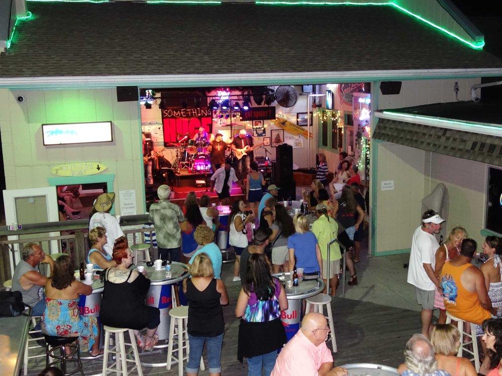 Sandshaker Lounge Stage