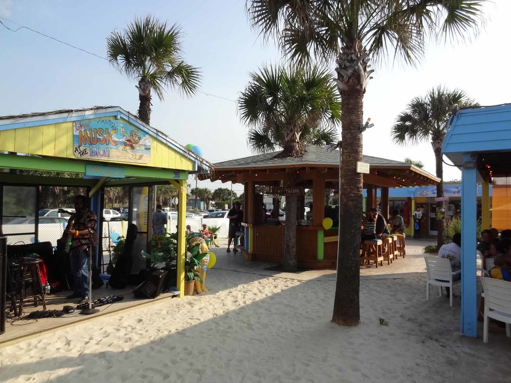 golden lion sand bar and stage
