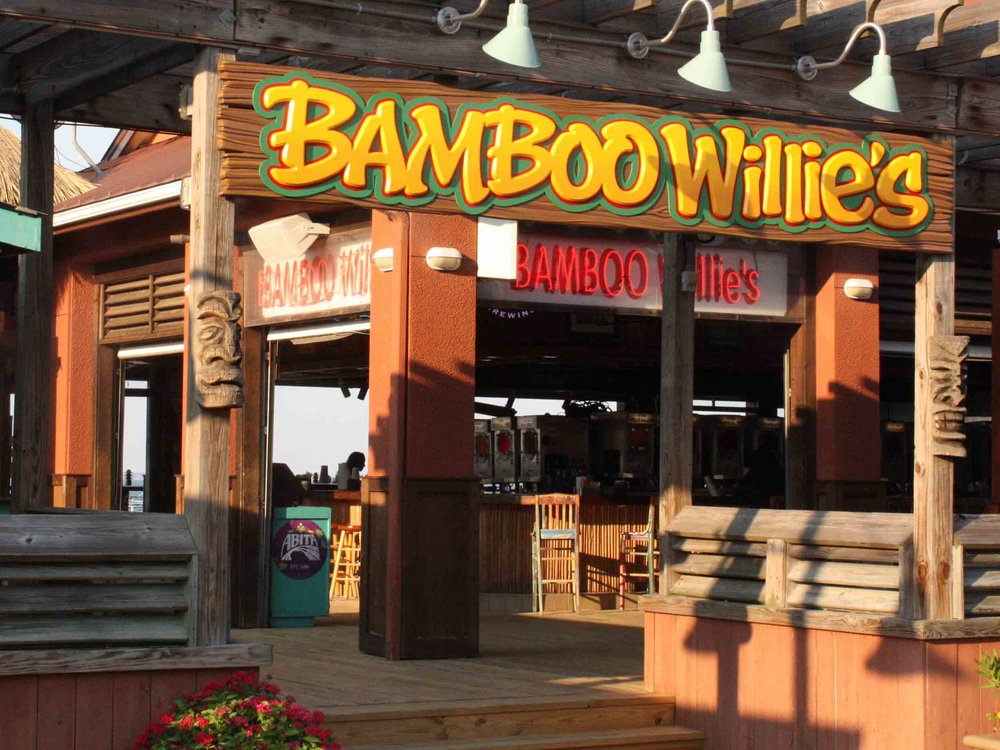 Bamboo Willie's Beachside Bar Entrance