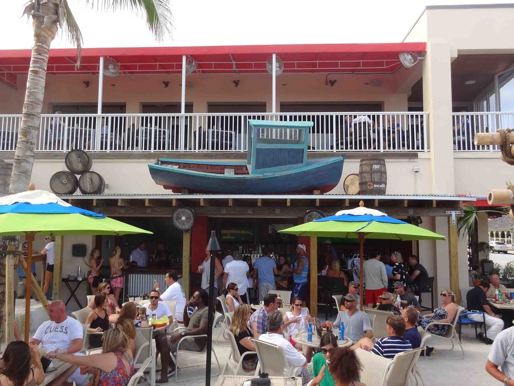 Boston's on the Beach Bar