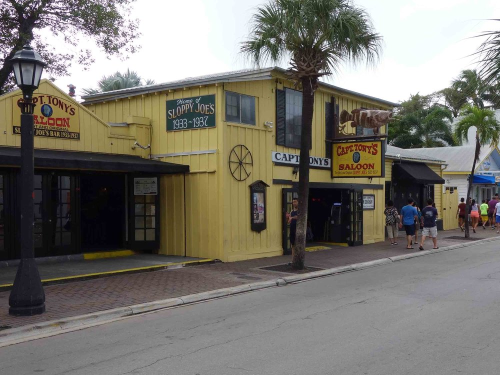 Captain Tony's Exterior