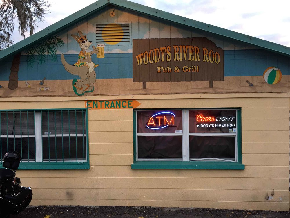 Woody's River Roo Pub and Grill Exterior