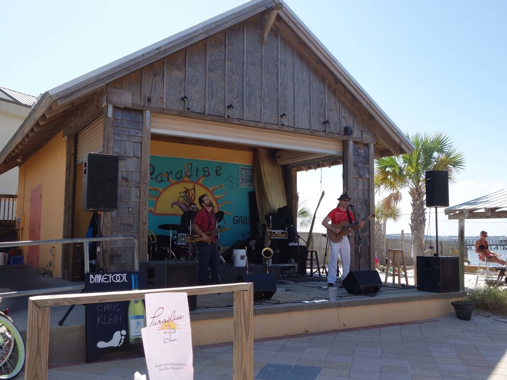 Paradise Bar and Grill Live Music