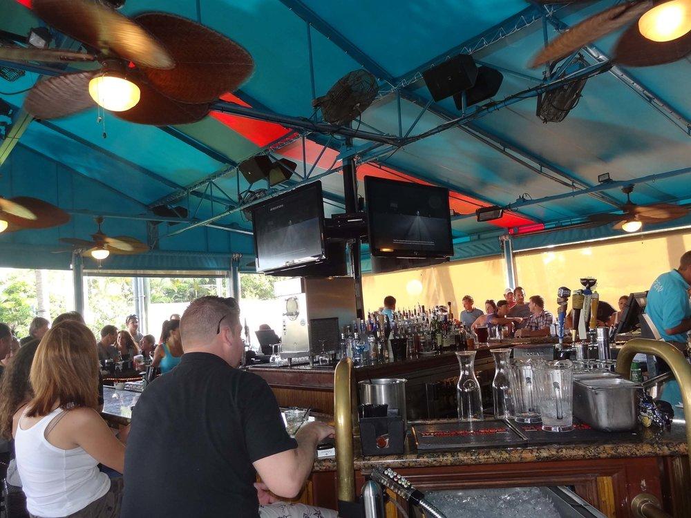 Deck 84 Bar