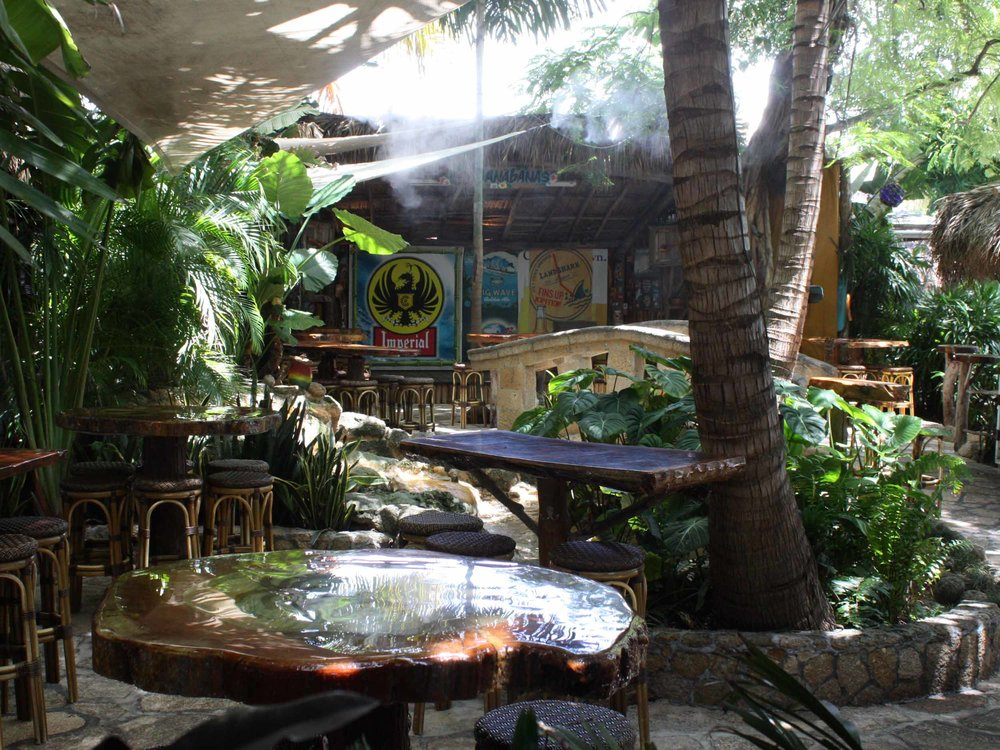Guanabanas Seating Area