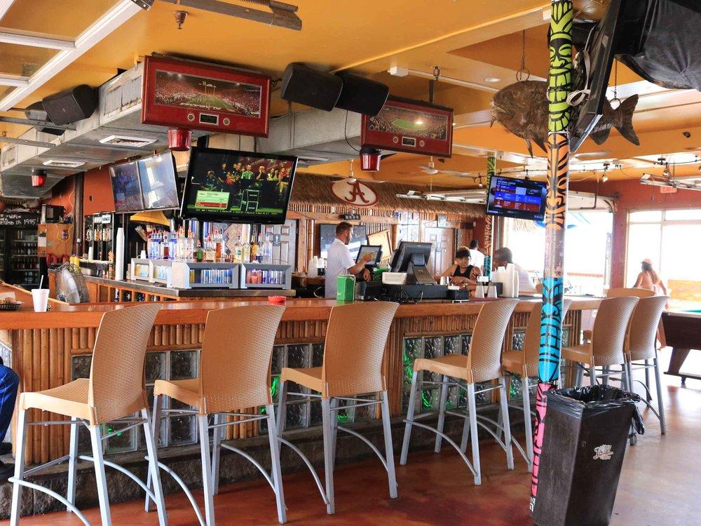 Capt'n Fun Inside Bar