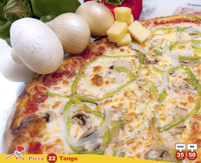 #22 -Tango tomato . mozzarella . green pepper . onions . fresh mushrooms . emmental . oregano