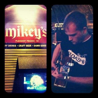 Uncle Mike's Top Shelf Pub's open mic night - 10.24.2012.jpg